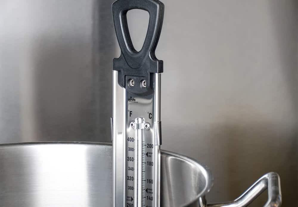 Candy Thermometer – how to make candles