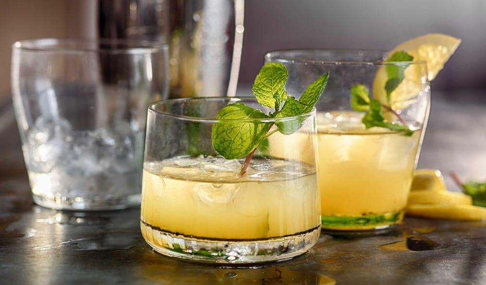 Classic Whiskey Smash Drink