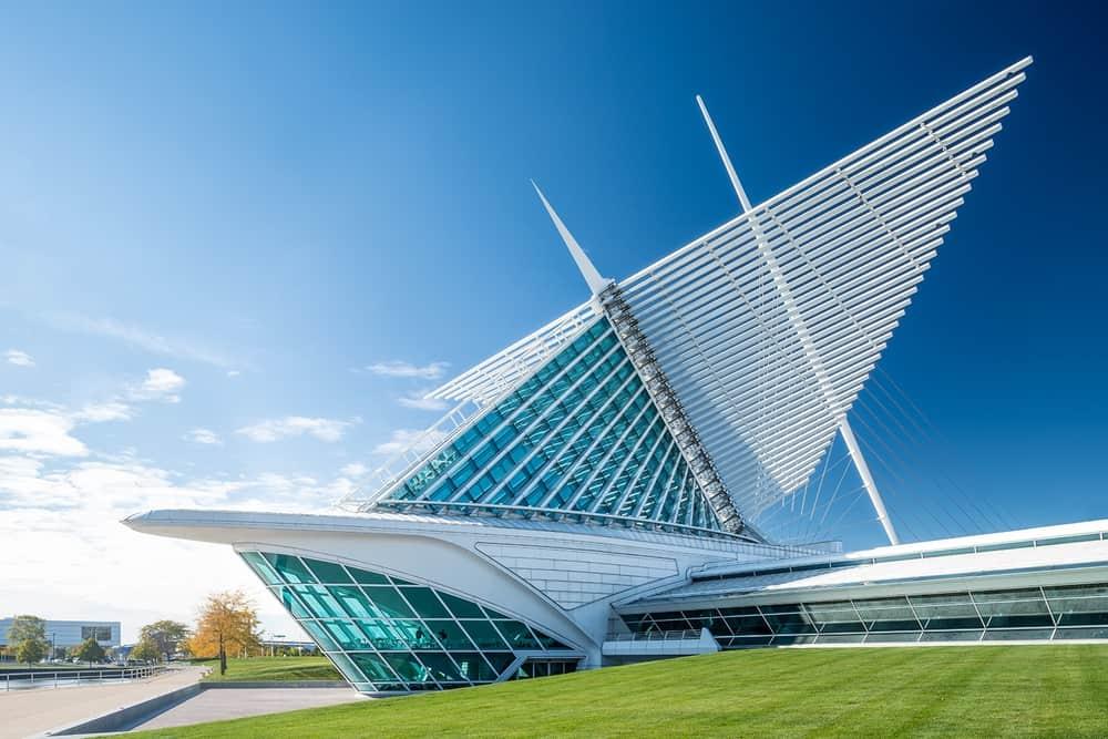 Milwaukee Art Museum – architectural wonder