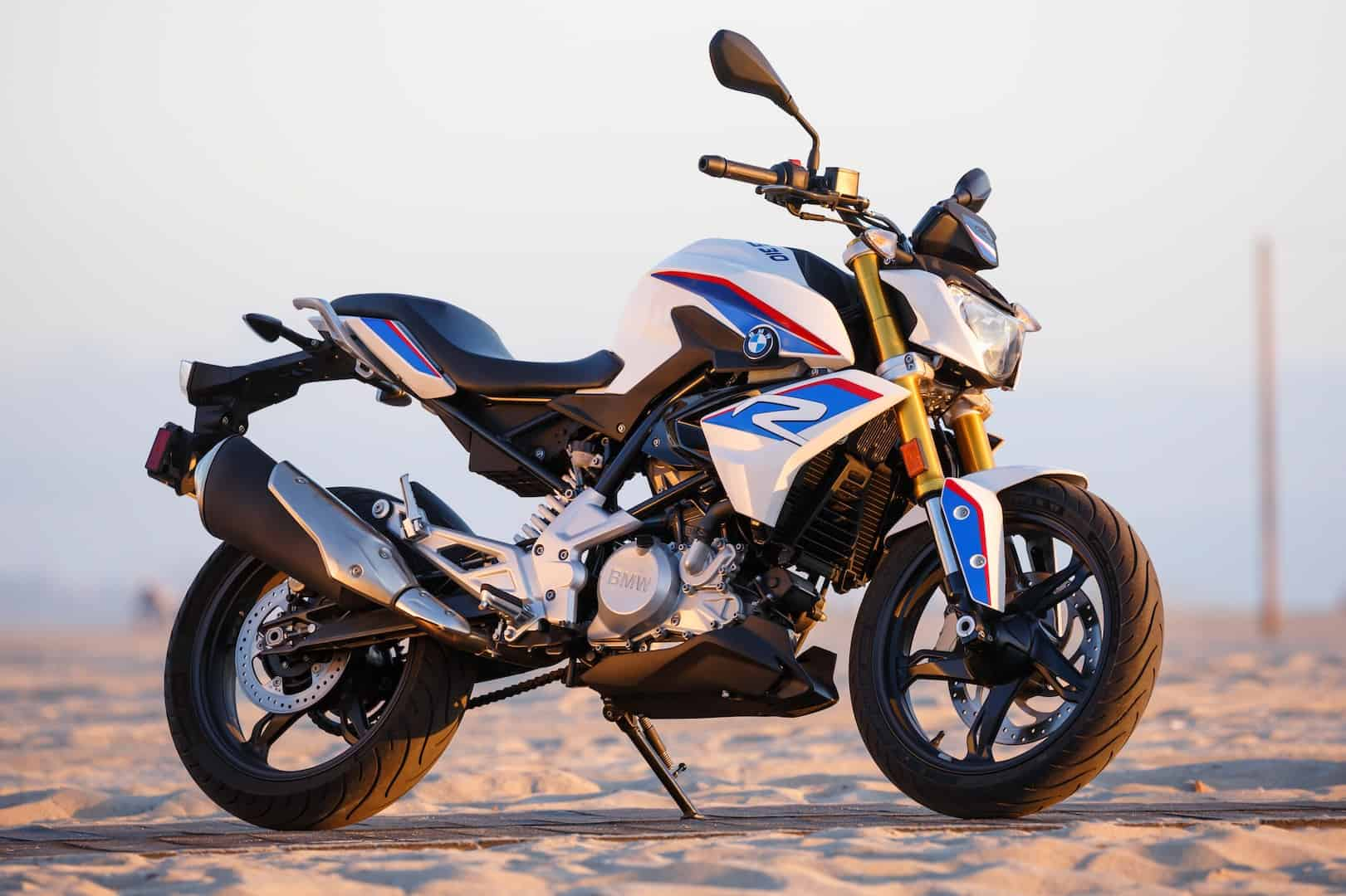BMW G310R – commuter motorcycle