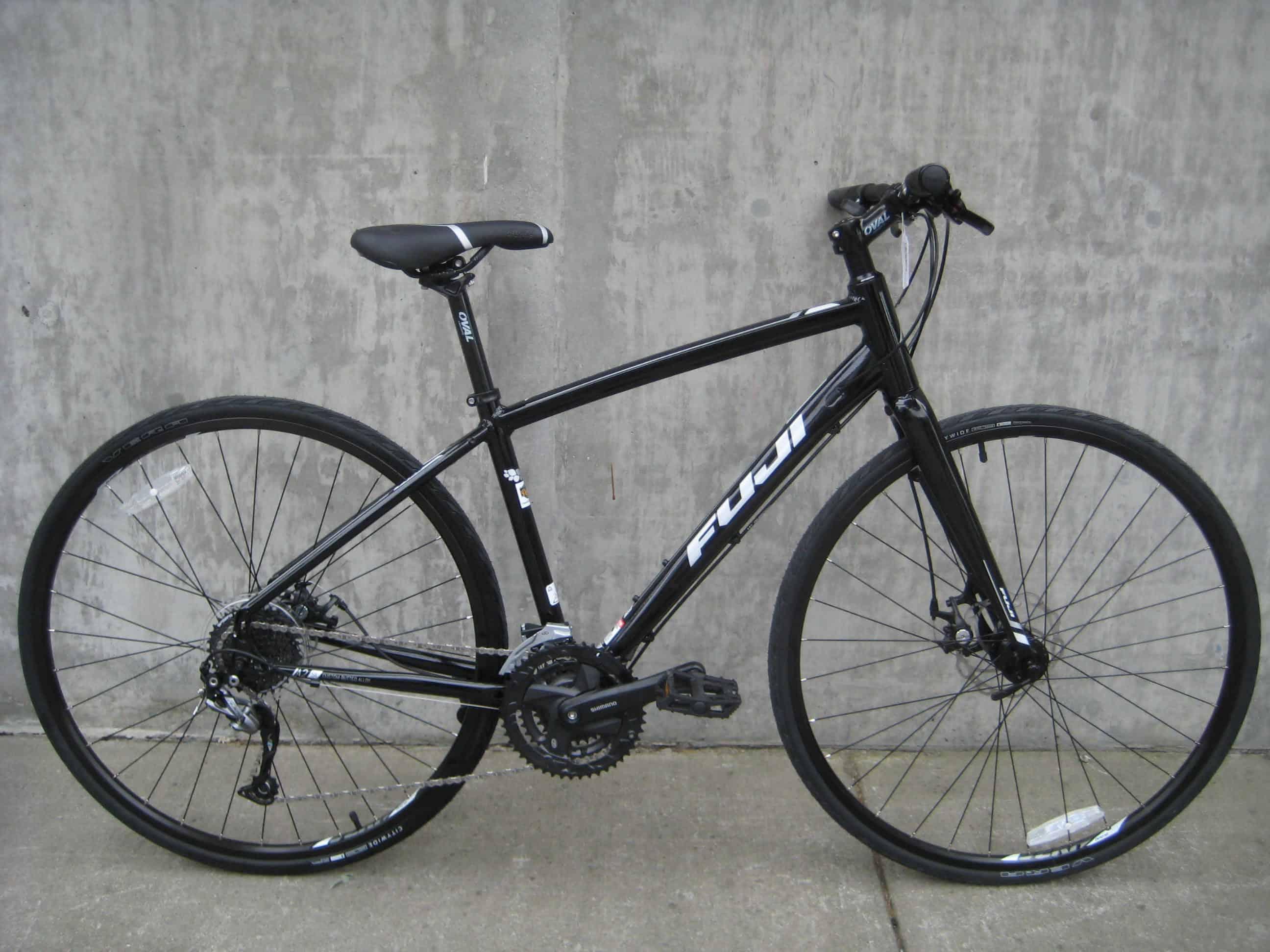 Fuji Absolute 1.9 – hybrid bike