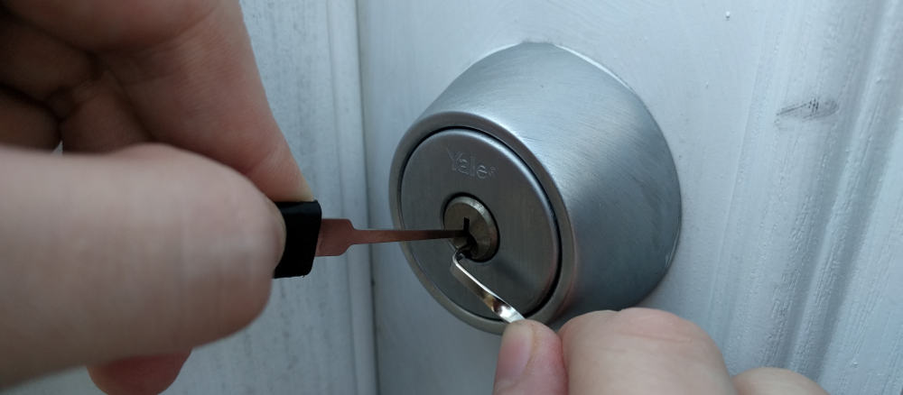 Repeat, Repeat, Repeat – how to pick a lock