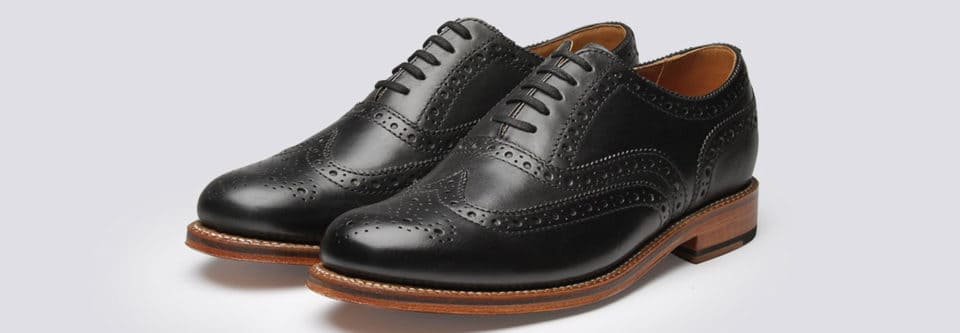Defining Traits oxford shoe 960x333 The Gentlemans Guide to Wearing Oxford Shoes