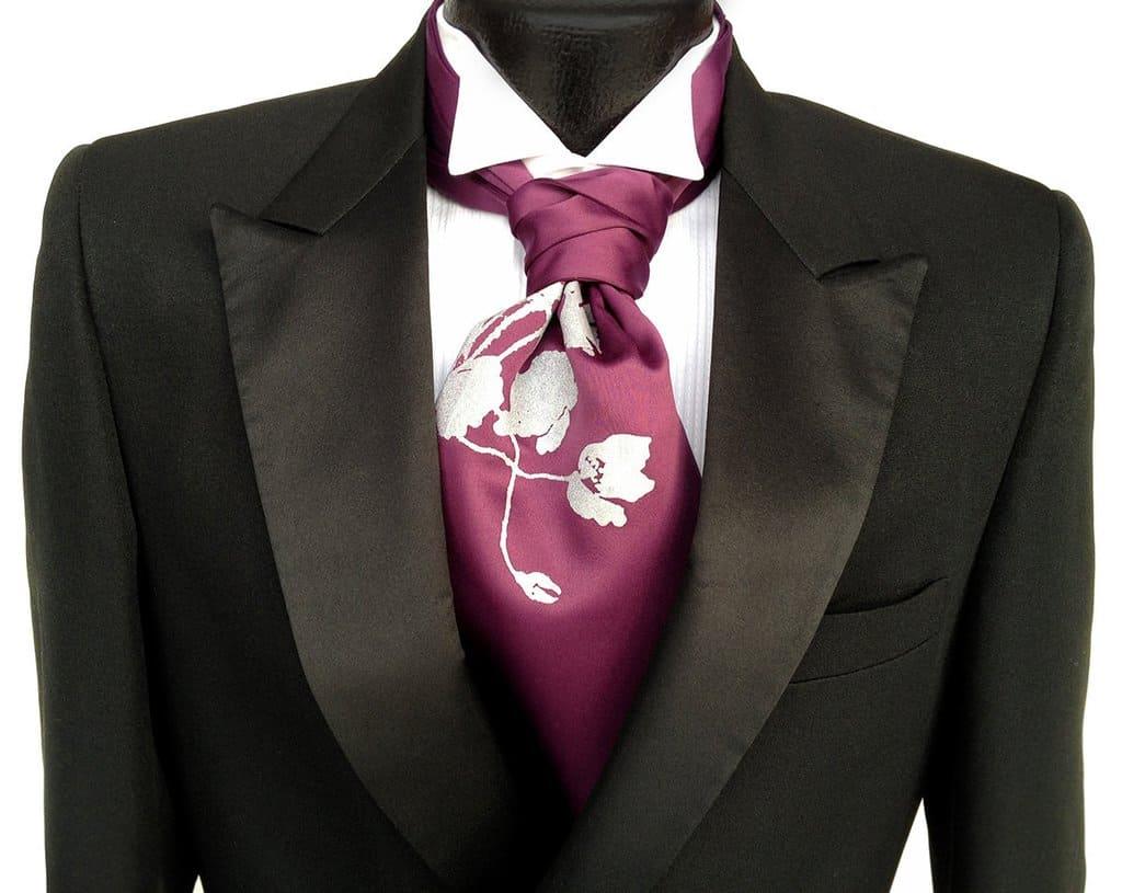 Formal Ascot – wear a cravat