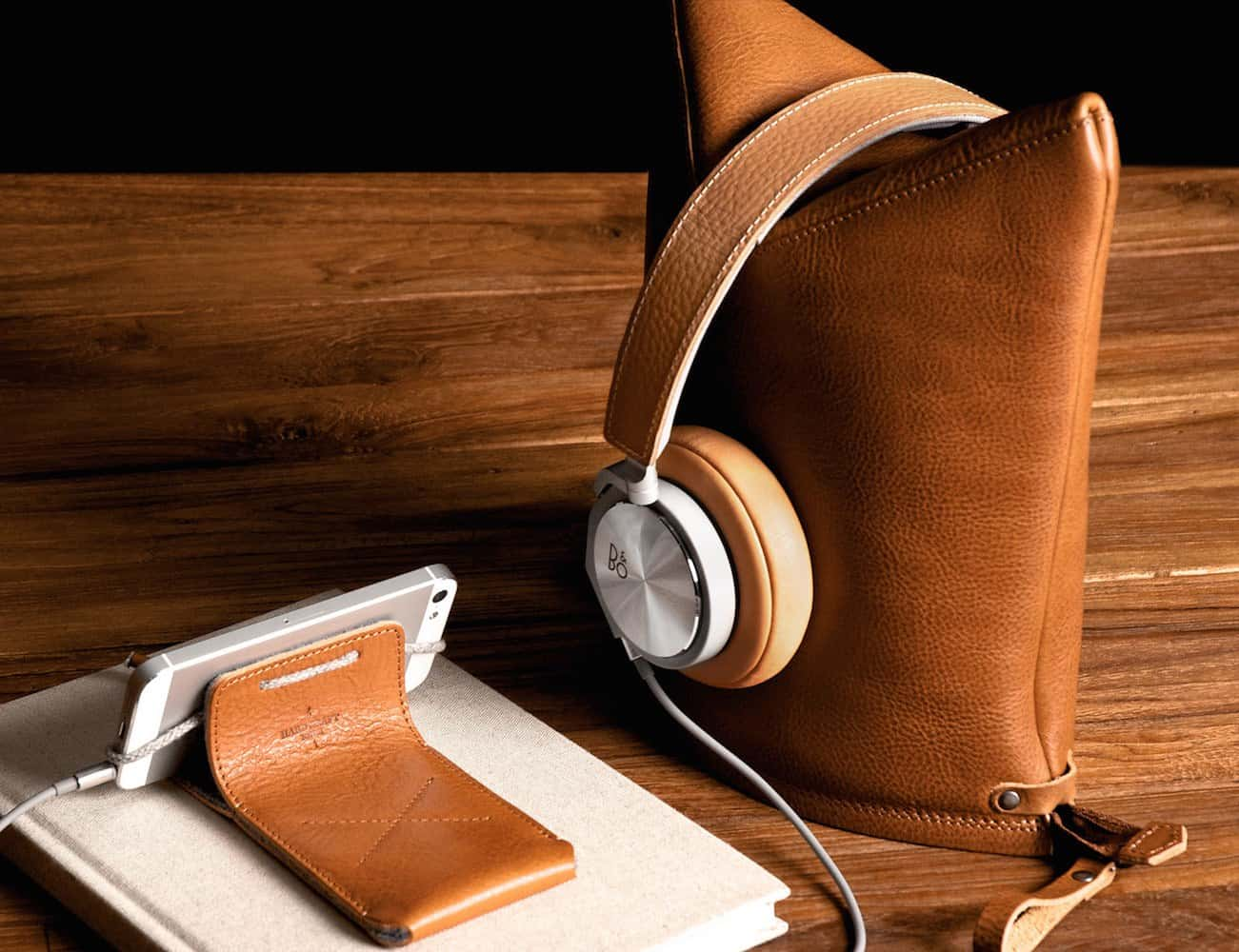 Hold The Phone The 15 Best Headphone Stands