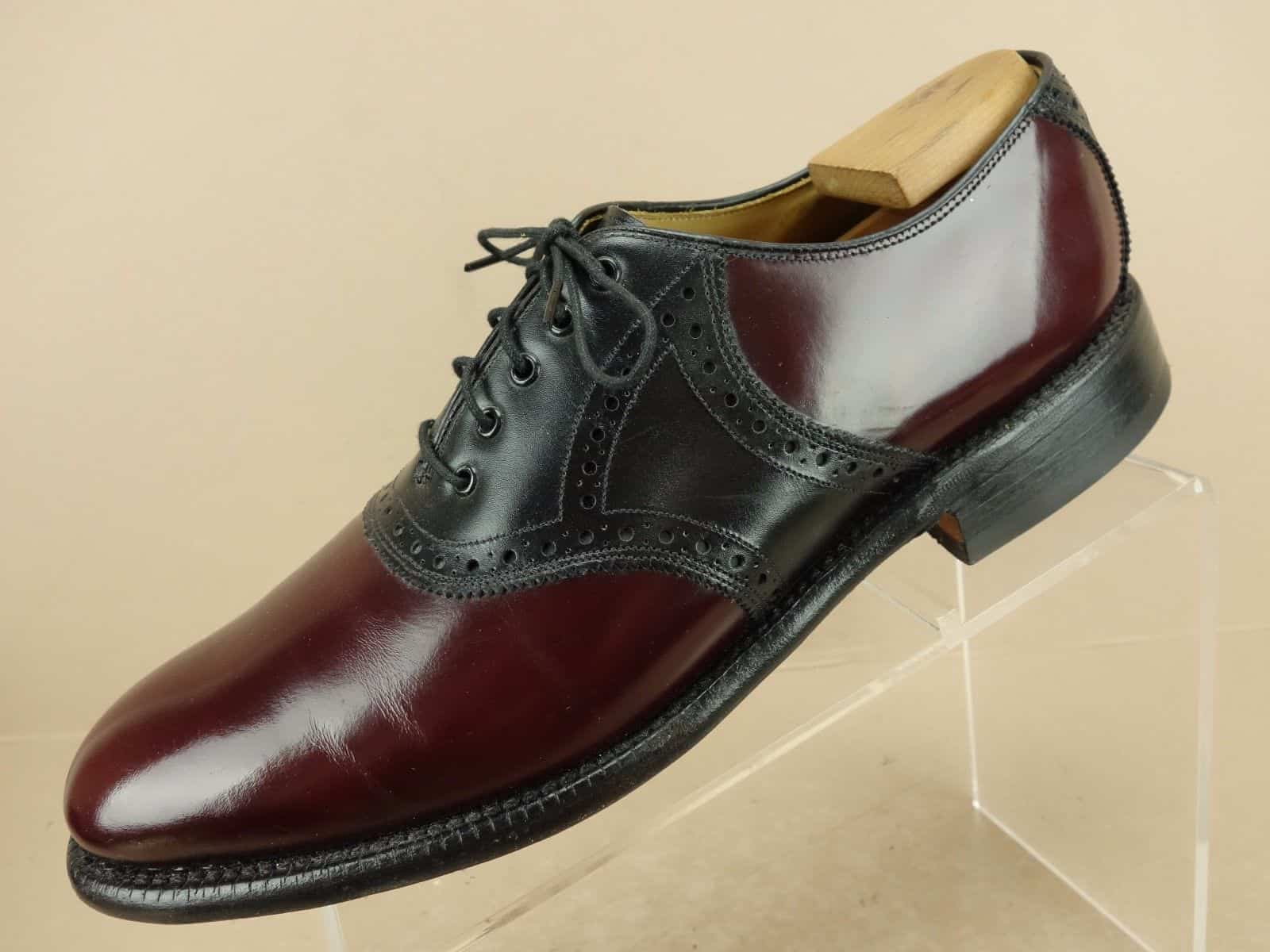Saddle oxford shoe