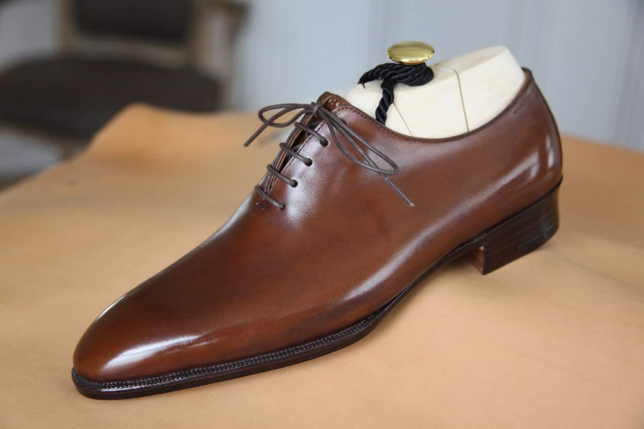 Wholecut oxford shoe