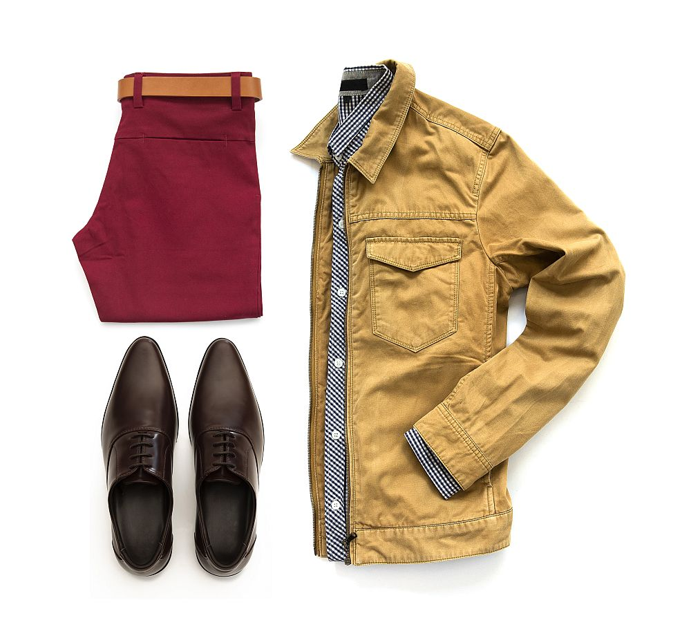 Trousers and jacket with Oxford shoes