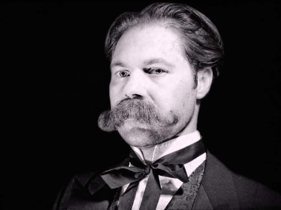 Hungarian mustache type