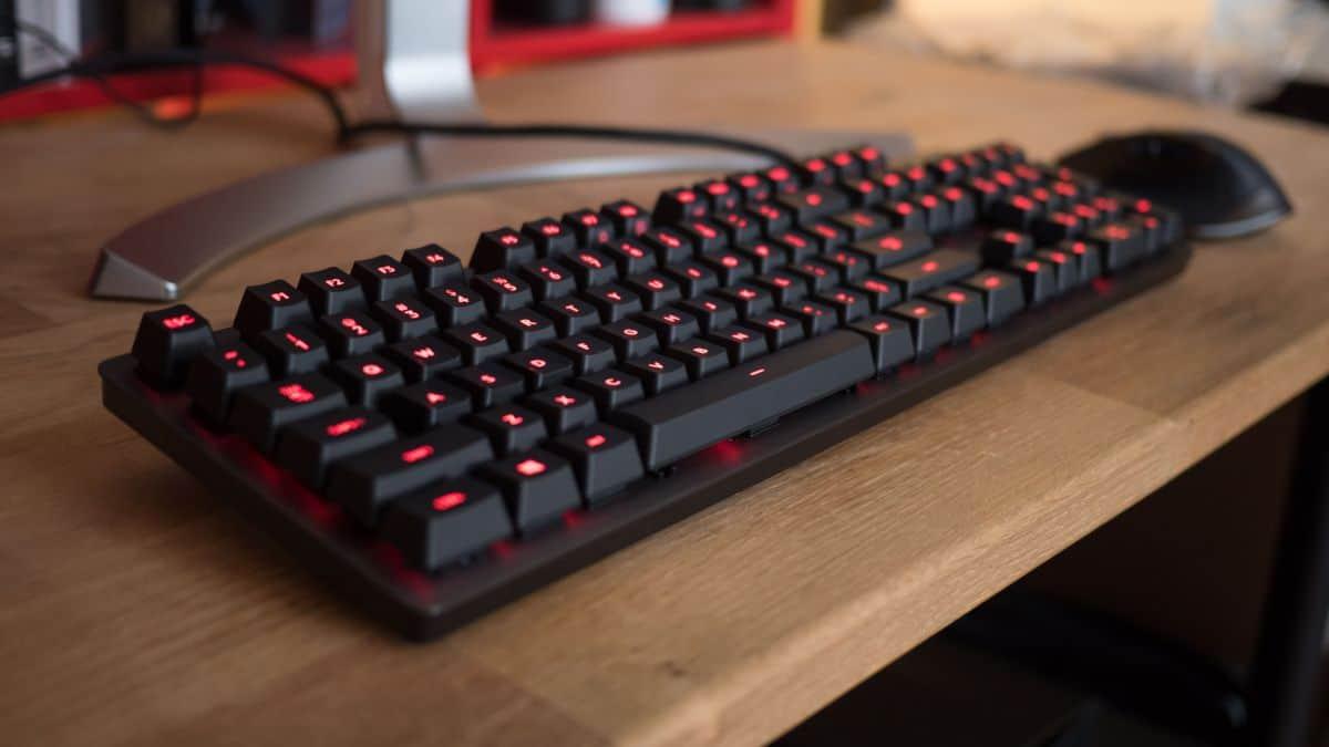 Logitech G413 Carbon – mechanical keyboard