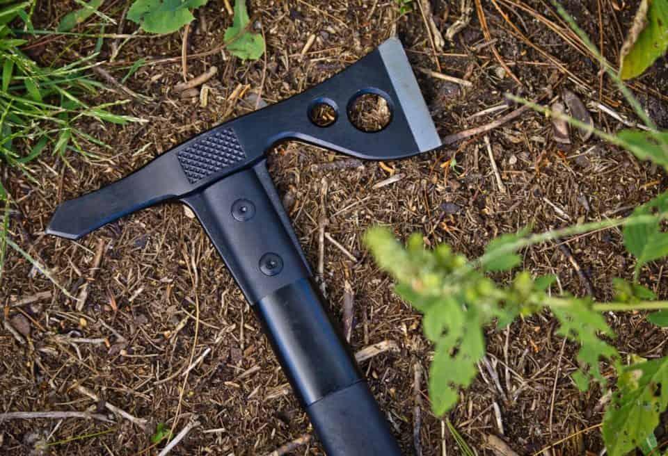 SOG Fast Hawk tactical tomahawk 960x656 Modern Ancient Warfare: The 16 Best Tactical Tomahawks