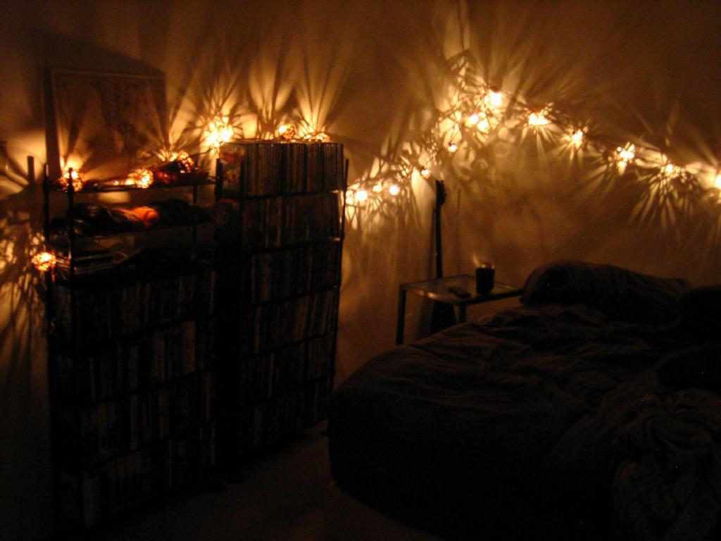 String Lights – small room decor