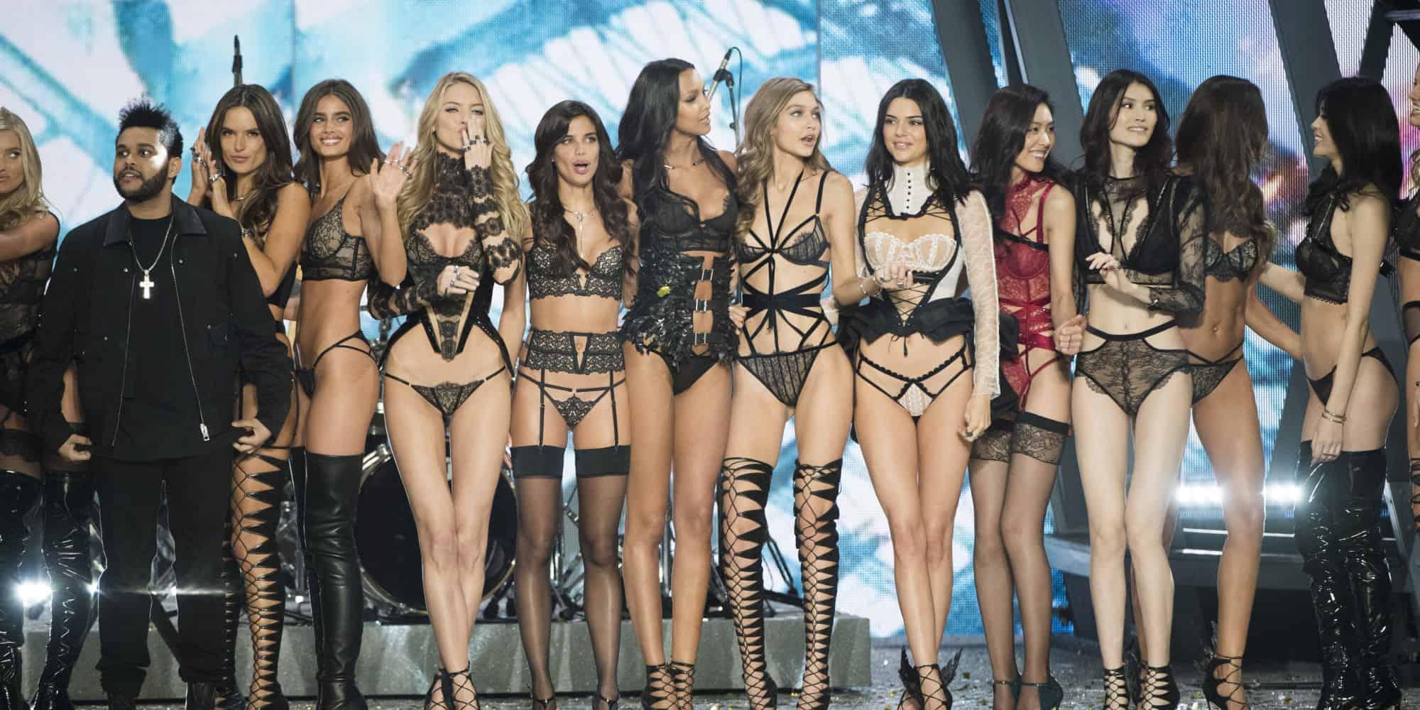 2016 Victoria's Secret Fashion Show in Paris – Show