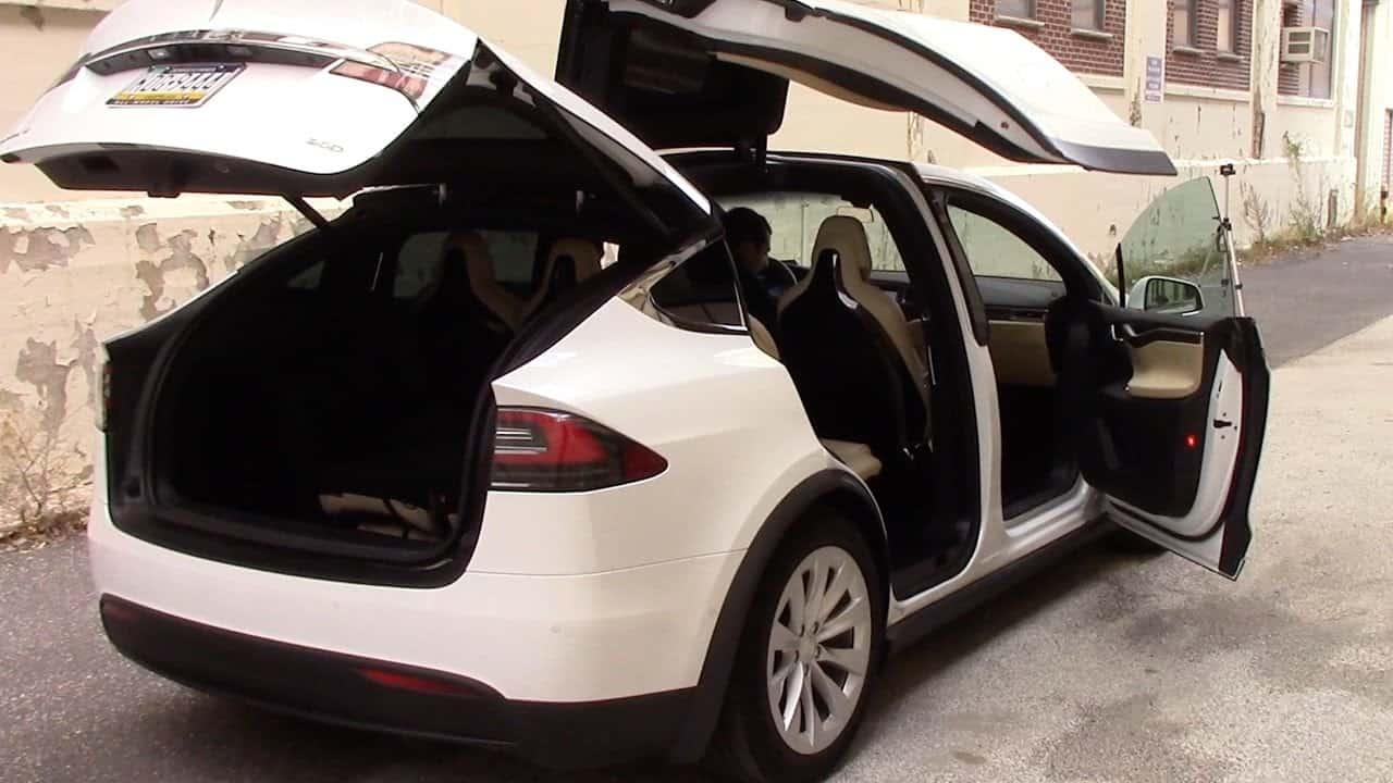 Tesla Model X – electric car