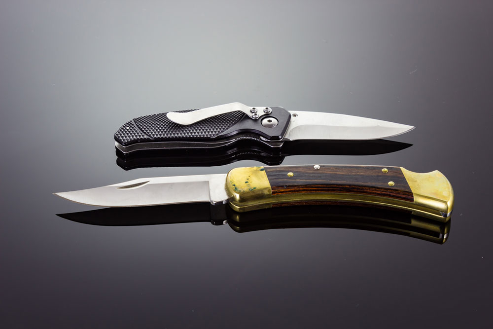 Automatic knives The 14 Best Automatic Knives (2021 Edition): Tomorrows Switchblades