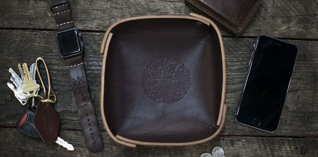Leather valet tray - mocha
