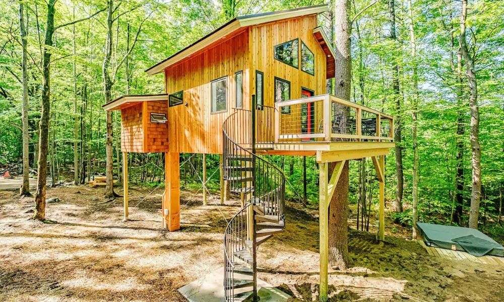 The Carbon Free Treehouse Airbnb in Maine 11 Best Airbnbs in Maine for a Magnificent Coastal Getaway