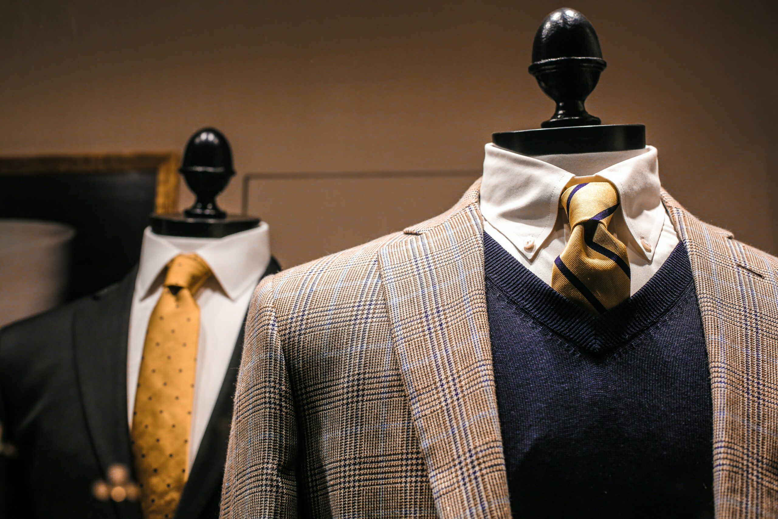 How to match clothes suits