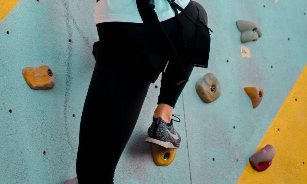 Edging- rock climbing terminology