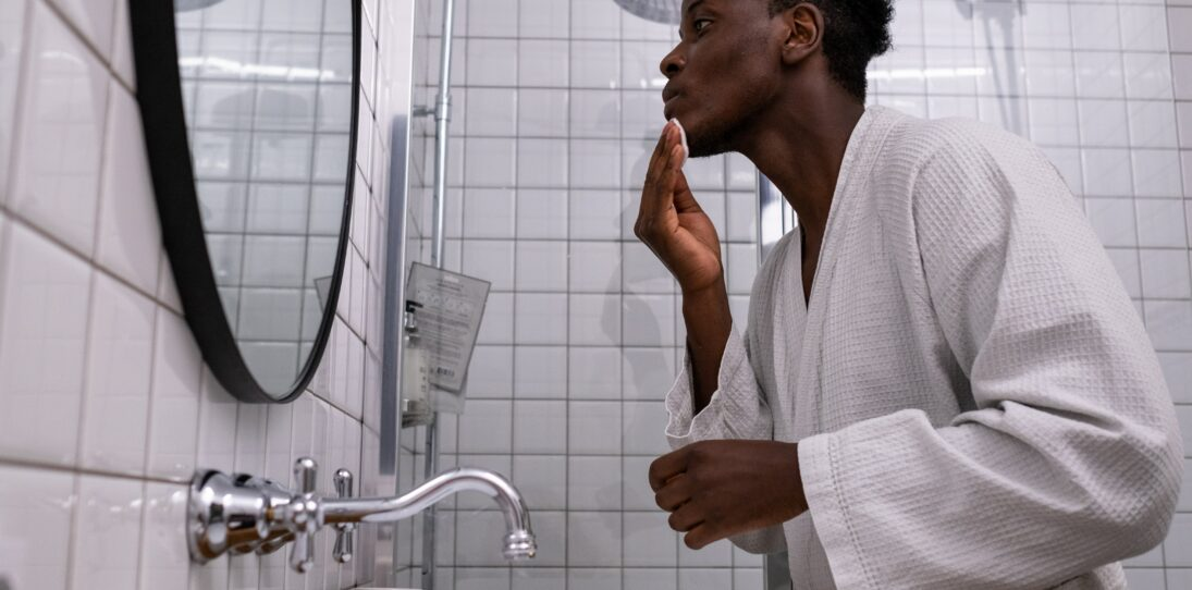 The Best Face Moisturizer for Men to Look and Feel Good