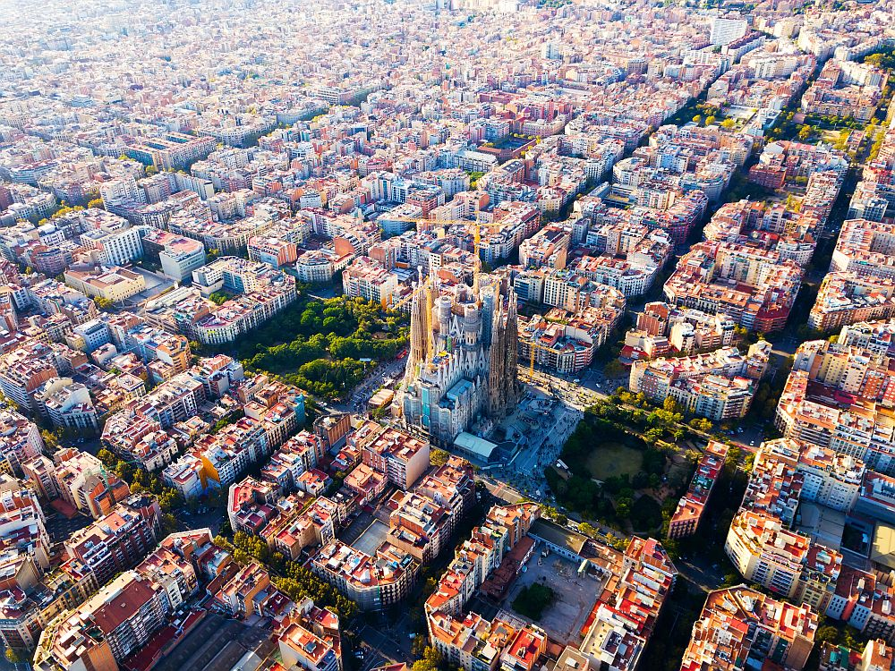 Barcelona places to visit - Eixample district, Sagrada Familia
