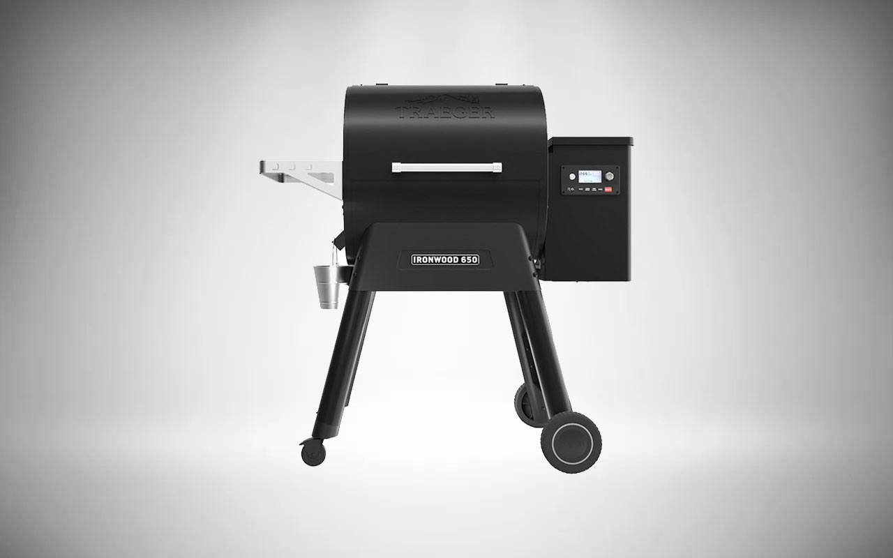 Traeger Ironwood 650 Wi-Fi Controlled Wood Pellet Grills
