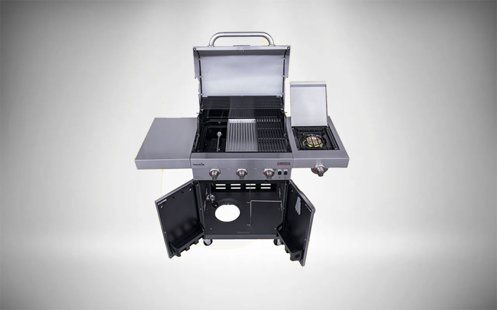 The highly advanced Char-Broil Commercial Series Tru-Infrared gas grill