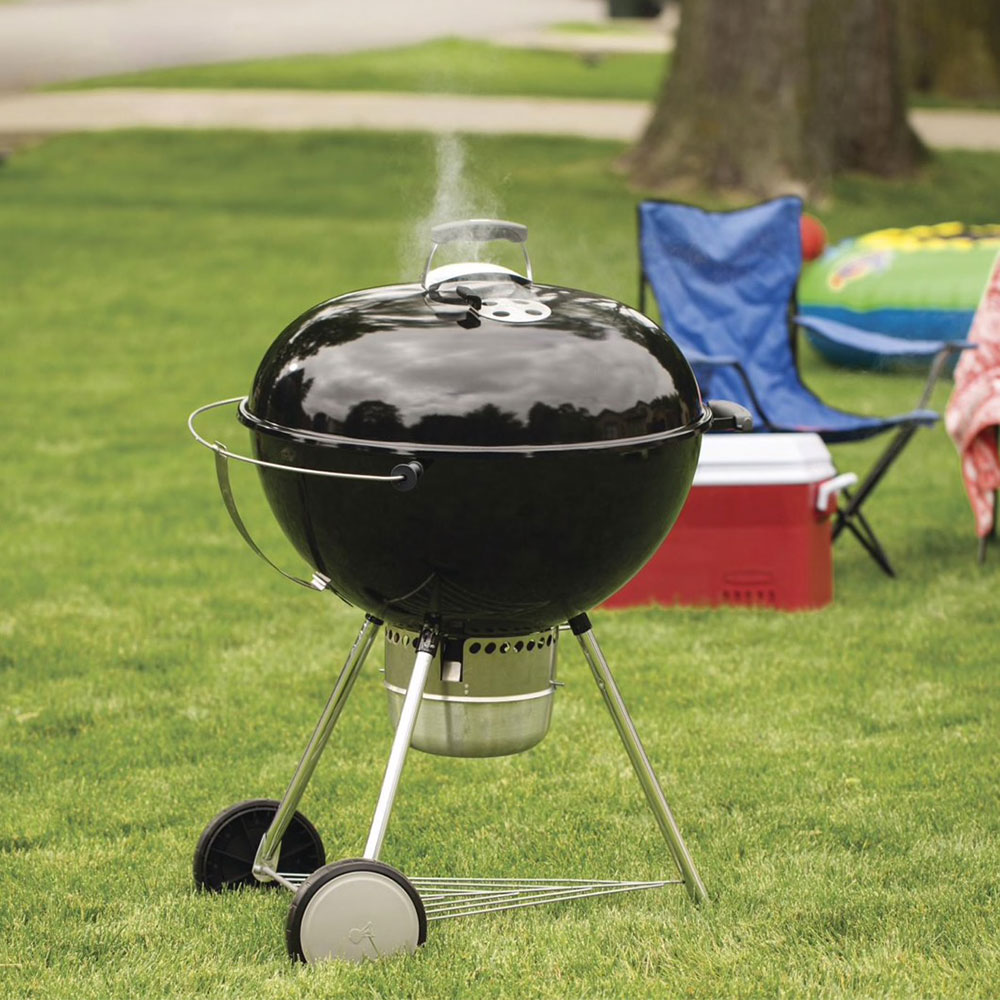 Weber's Original Kettle Charcoal Grill