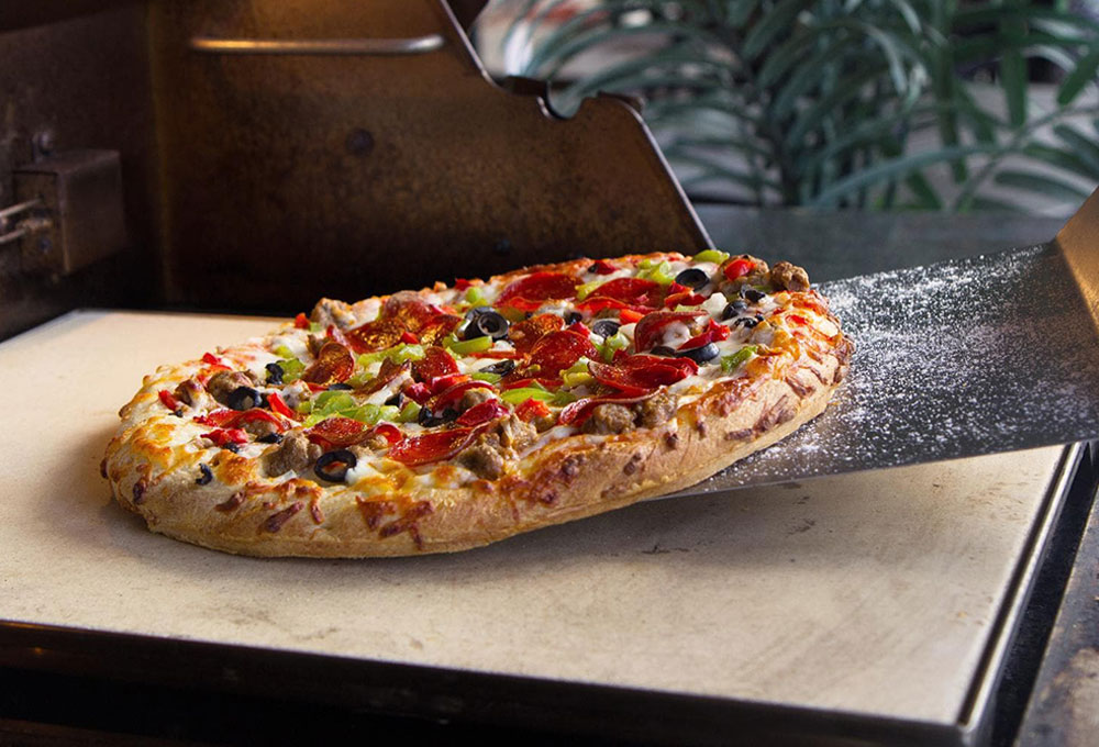 """Blaze 14.75"""" Ceramic Pizza Stone with integrated Stainless Steel Tray"""