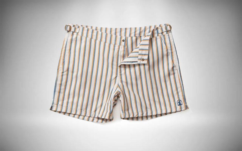 1o. Dandy Del Mar - Mallorca Shorts in a light striped pattern