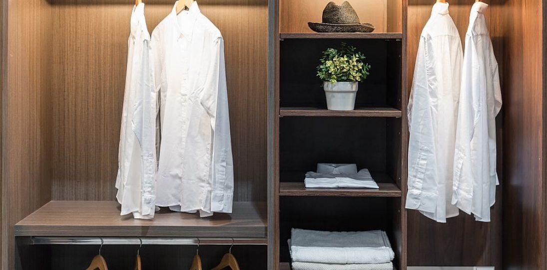 Minimalist Wardrobe (Men): Buying Guide to Men's Wardrobe Essentials