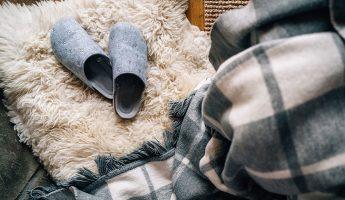 Unisex slippers for men and women