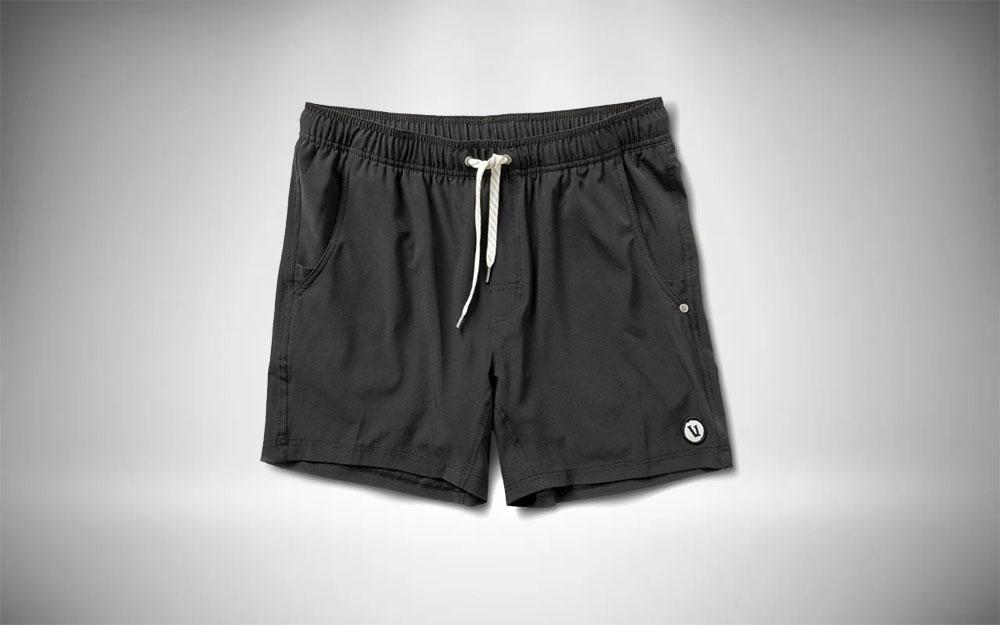 Vuori Banks - Kore Shorts in black