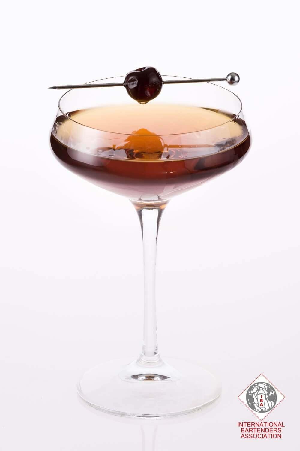 Whiskey mixed drinks easy - Manhattan