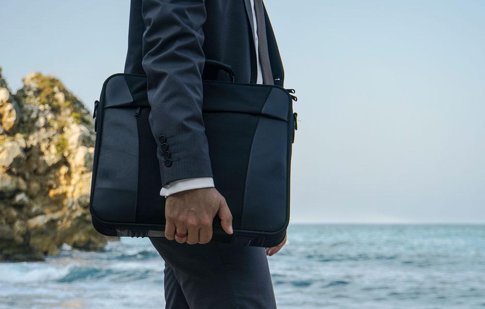 Best-Laptop-Bags-for-Men