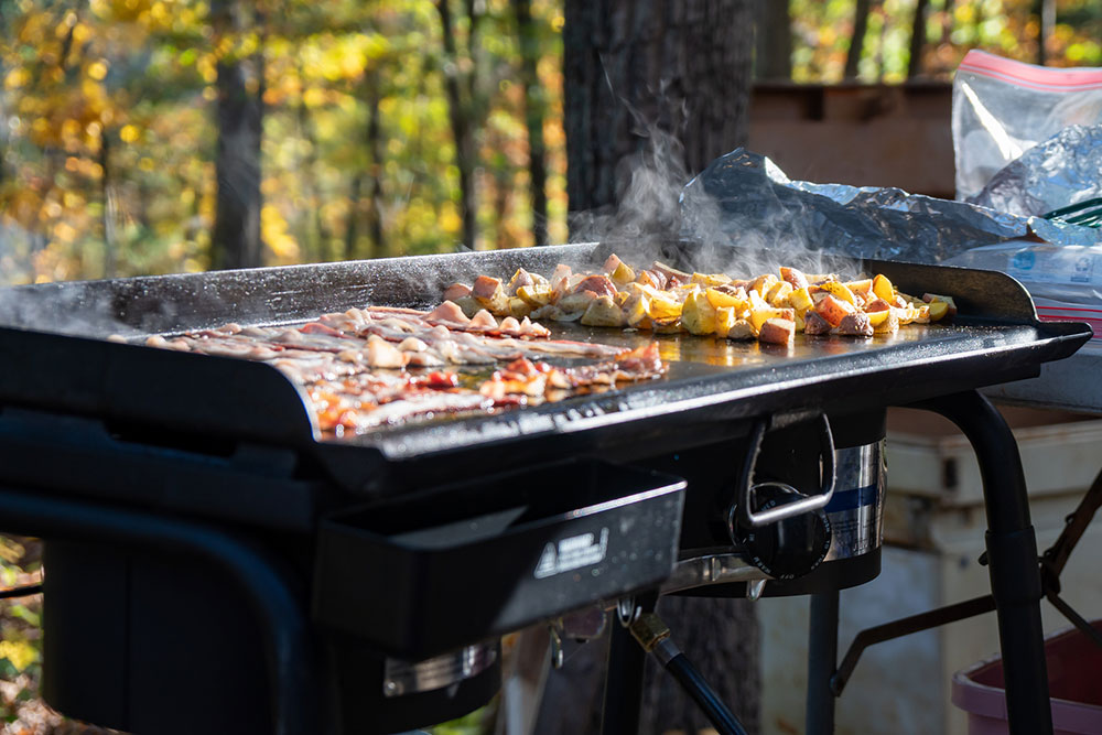 Flat top grill griddle for BBQ grill