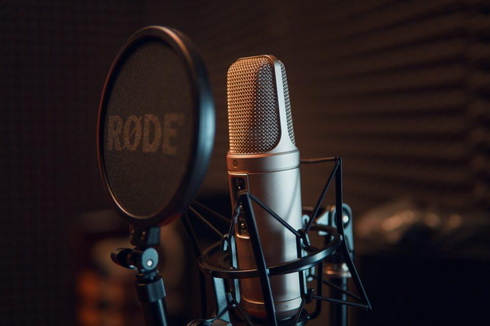 Investigative Podcasts - Microphone